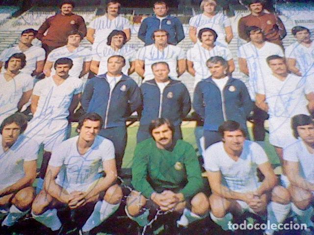 Coleccionismo deportivo: postal tarjeta plantilla real madrid liga 77 78 ed Bergas s/c sobada 28 autografos originales - Foto 15 - 83595428