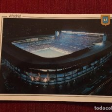 Coleccionismo deportivo: R2697 POSTAL FOTOGRAFIA ESTADIO SANTIAGO BERNABEU REAL MADRID NOCTURNA L. DOMINGUEZ FISA. Lote 93791190
