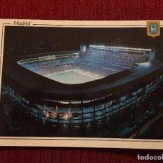 Coleccionismo deportivo: R2698 POSTAL FOTOGRAFIA ESTADIO SANTIAGO BERNABEU REAL MADRID NOCTURNA L. DOMINGUEZ FISA. Lote 93791230