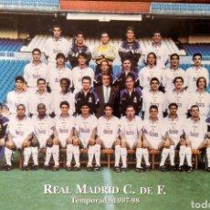 Coleccionismo deportivo: POSTAL PLANTILLA REAL MADRID 1997-98. Lote 106057282