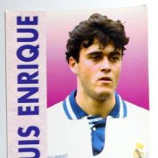 Coleccionismo deportivo: POSTAL ANTIGUA FUTBOL AÑOS 90 - LUIS ENRIQUE - REAL MADRID - SIN CIRCULAR. Lote 112924991