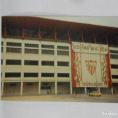 Coleccionismo deportivo: FOTO FOTOGRAFIA EXTERIORES DEL ESTADIO RAMON SANCHEZ PIZCUAN SEVILLA F.C. TDKP1. Lote 113852711