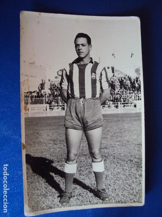 Coleccionismo deportivo: (F-180622)LOTE DE 6 FOTOGRAFIAS Y CARNET JUGADOR C.F.MANRESA - AÑOS 50 - Foto 4 - 123348839