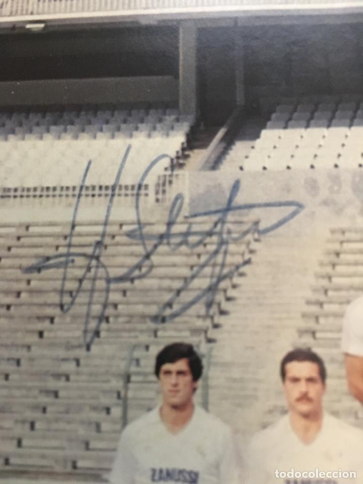 Coleccionismo deportivo: Postal con la firma de DI STEFANO plantilla Real Madrid temporada 82-83 - Foto 2 - 132752973