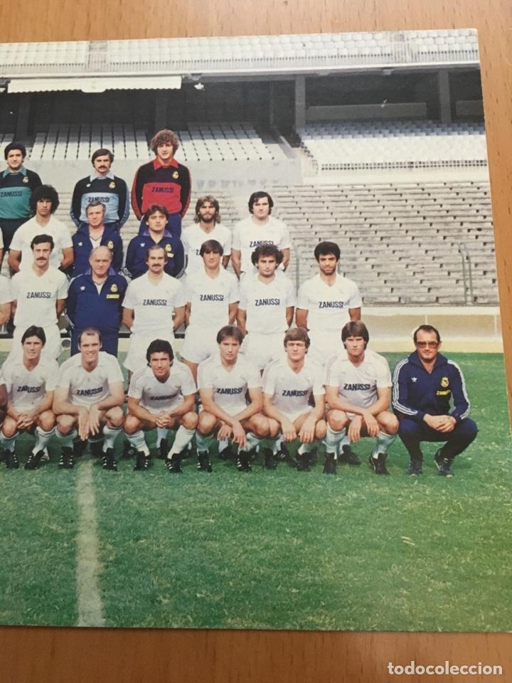 Coleccionismo deportivo: Postal con la firma de DI STEFANO plantilla Real Madrid temporada 82-83 - Foto 6 - 132752973