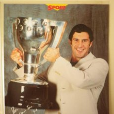 Coleccionismo deportivo: POSTAL FC BARCELONA BARÇA FIGO CAMPIONS LIGA 97-98 SPORT 31 X 22 CM. Lote 137208798