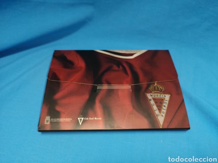 Coleccionismo deportivo: Colección los ascensos del Real Murcia. 16 postales en su caja. Nuevas sin uso - Foto 3 - 142151502
