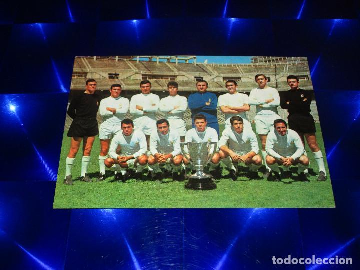 POSTAL REAL MADRID C. F. ( CAMPEON DE LIGA 1966-67 ) - 127 - BERGAS IND. GRAF. - SIN CIRCULAR (Coleccionismo Deportivo - Postales de Deportes - Fútbol)