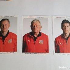 Coleccionismo deportivo: LOTE 3 POSTALES CUERPO TÉCNICO SELECCIÓN REPÚBLICA CHECA (KAREL BRUCKNER, SILHAVY Y STEJSKAL). Lote 151310882