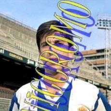 Coleccionismo deportivo: FOTOGRAFIA JUGADOR FUTBOL GONZALO RCD ESPAÑOL ESPANYOL MUY BUENA CALIDAD TAMAÑO 10X15 NICCROMO. Lote 151901070