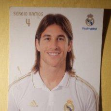 Coleccionismo deportivo: POSTAL - OFICIAL REAL MADRID - 4 - SERGIO RAMOS. Lote 154451498