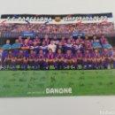Coleccionismo deportivo: POSTAL FC BARCELONA TEMPORADA 91-92 1991-1992 JOHAN CRUYFF FIRMAS IMPRESAS DANONE.. Lote 159508281
