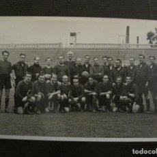 Coleccionismo deportivo: FC BARCELONA-PLANTILLA 1939-PAULINO ALCANTARA-POSTAL FOTOGRAFICA R.CLARET-VER FOTOS-(V-16.677). Lote 161690854