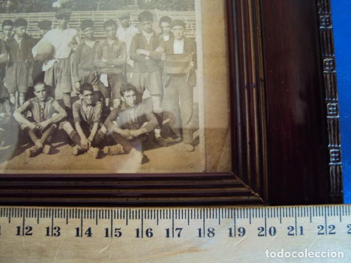 Coleccionismo deportivo: (F-190600)POSTAL FOTOGRAFICA ENMARCADA DEL F.C.BARCELONA FOOT-BALL AÑO 1918 - CATEGORIAS INFERIORES - Foto 10 - 166781138