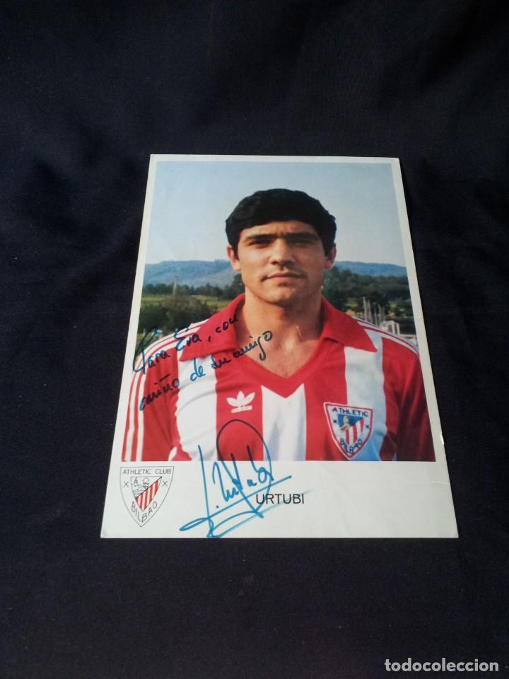 FOTOGRAFÍA EN CARTULINA FIRMADA POR URTUBI (ATHLETIC CLUB BILBAO) - DEDICATORIA (Coleccionismo Deportivo - Postales de Deportes - Fútbol)