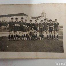 Coleccionismo deportivo: FOTO EQUIPO DE FUTBOL COLEGIO LECAROZ 1942. Lote 168121284
