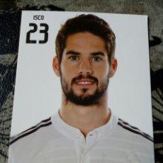 Coleccionismo deportivo: POSTAL OFICIAL ISCO REAL MADRID 15X10. Lote 168276388