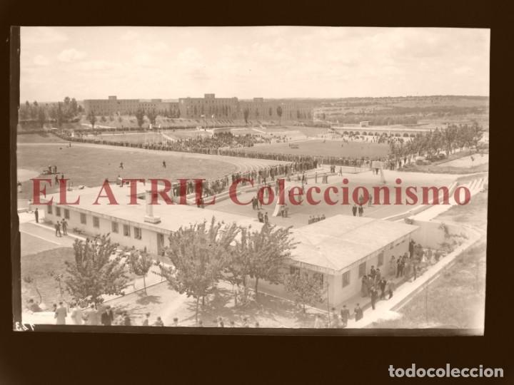 MADRID - CAMPOS FUTBOL ENTRENAMIENTO - CLICHE EN CRISTAL - EDICIONES ARRIBAS - AÑOS 1950 (Coleccionismo Deportivo - Postales de Deportes - Fútbol)