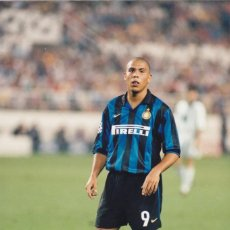 Coleccionismo deportivo: FOTOGRAFIA RONALDO.INTER MILAN.LEER.. Lote 169874148