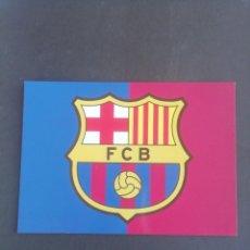 Coleccionismo deportivo: POSTAL ESCUDO F. C BARCELONA. Lote 171745418