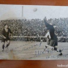 Coleccionismo deportivo: FUTBOL CLUB BARCELONA CLUB DEPORTIVO EUROPA POSTAL FOTOGRAFICA ORIGINAL MUY ANTIGUA CON AUTOGRAFO. Lote 172011212