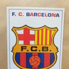 Coleccionismo deportivo: POSTAL DE FÚTBOL. ESCUDO DEL F. C. BARCELONA. Lote 174289884