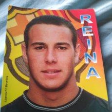 Coleccionismo deportivo: POSTAL FC BARCELONA PEPE REINA. Lote 181197705