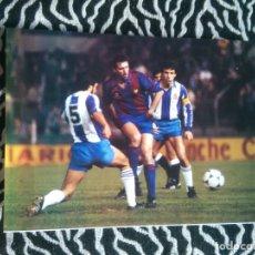 Coleccionismo deportivo: ANTIGUA FOTO LÁMINA DEL F. C. BARCELONA, BARÇA AÑOS 80 - QUINI (MIDE 23,5 X 17,8 CM). Lote 181434635
