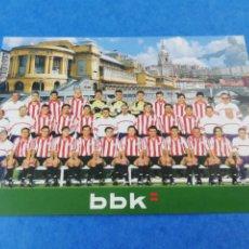 Coleccionismo deportivo: POSTAL TARJETA ATHLETIC CLUB DE BILBAO PLANTILLA TEMPORADA 2000-2001 00-01 CALENDARIO LIGA BBK. Lote 184383712