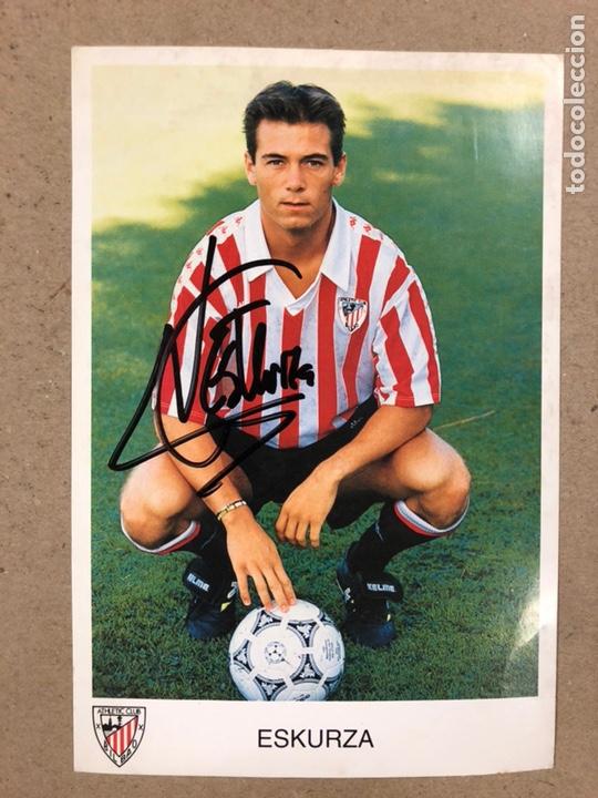 XABIER ESKURZA (ATHLETIC CLUB BILBAO). FOTOGRAFÍA OFICIAL CON AUTÓGRAFO DE LA TEMPORADA 1993/94 (Coleccionismo Deportivo - Postales de Deportes - Fútbol)