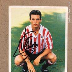 Coleccionismo deportivo: XABIER ESKURZA (ATHLETIC CLUB BILBAO). FOTOGRAFÍA OFICIAL CON AUTÓGRAFO DE LA TEMPORADA 1993/94. Lote 191127238