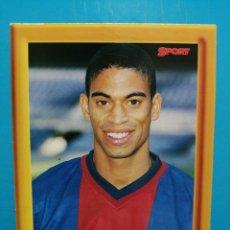 Collezionismo sportivo: COLECCIÓN SPORT REIZIGER LIGA 1998 - 99 FOTOGRAFÍA POSTAL CON MARCO DE FOTOS FC BARCELONA . Lote 192404263