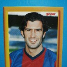 Collezionismo sportivo: COLECCIÓN SPORT FIGO LIGA 1998 - 99 FOTOGRAFÍA POSTAL CON MARCO DE FOTOS FC BARCELONA . Lote 192404381