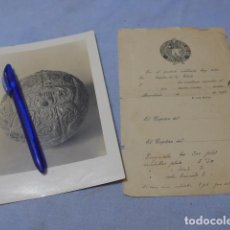 Coleccionismo deportivo: * ANTIGUA RARISIMA FOTOGRAFIA DE BALON FUTBOL CLUB BARCELONA 1930 Y DOCUMENTO. ORIGINAL. BARÇA. ZX. Lote 194236787