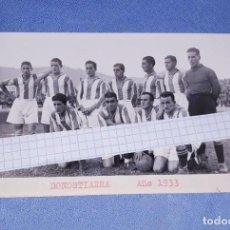 Coleccionismo deportivo: ANTIGUA FOTO POSTAL DE FUTBOL CLUB DONOSTIARRA AÑO 1933 EN EXCELENTE ESTADO ORIGINAL. Lote 195758593