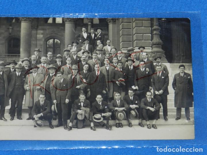 Coleccionismo deportivo: POSTAL ORIGINAL EQUIPO NACIONAL ESPAÑOL EN VIENA - RICARDO ZAMORA, JOSÉ SAMITIER - Foto 3 - 196188837