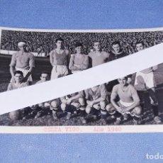 Coleccionismo deportivo: ANTIGUA FOTO POSTAL DE FUTBOL CELTA DE VIGO AÑO 1940 EN EXCELENTE ESTADO ORIGINAL. Lote 196788271