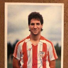 Coleccionismo deportivo: JOSU URRUTIA (ATHLETIC CLUB). FOTOGRAFÍA OFICIAL CON AUTÓGRAFO.. Lote 198915157