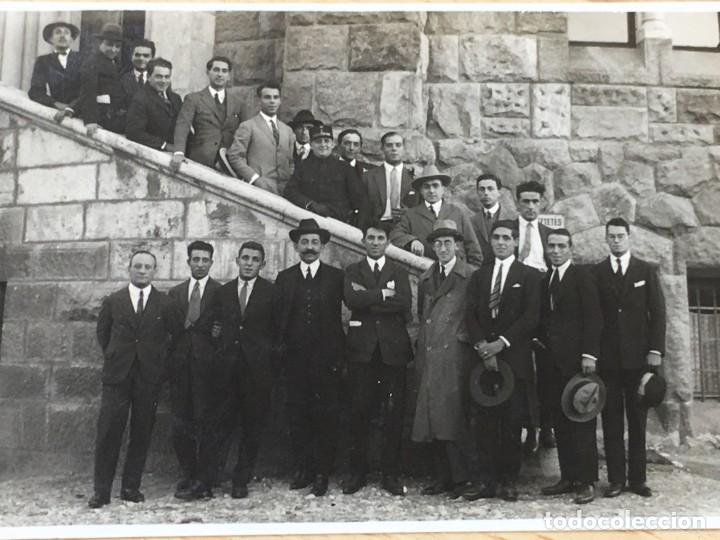 Coleccionismo deportivo: POSTAL SELECCION ESPAÑOLA DE FUTBOL EN BUDAPEST 5 OCTUBRE 1925 - RICARDO ZAMORA, JOSE SAMITIER - Foto 2 - 200525456