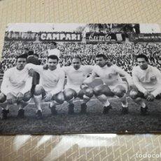 Coleccionismo deportivo: FOTO POSTAL DELANTERA REAL MADRID CANARIO DEL SOL DI STEFANO PUSKAS GENTO. Lote 203947330