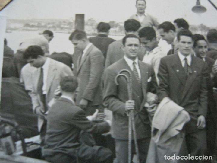 Coleccionismo deportivo: FC BARCELONA-CAMPEONES COPA DEL GENERALISIMO 1951-VILANOVA-POSTAL FOTOGRAFICA ANTIGUA-(70.333) - Foto 7 - 205049747