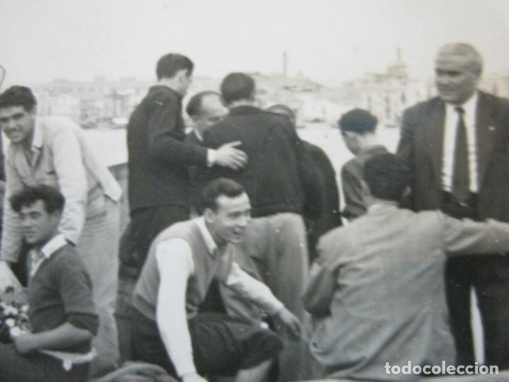 Coleccionismo deportivo: FC BARCELONA-CAMPEONES COPA DEL GENERALISIMO 1951-VILANOVA-POSTAL FOTOGRAFICA ANTIGUA-(70.333) - Foto 9 - 205049747