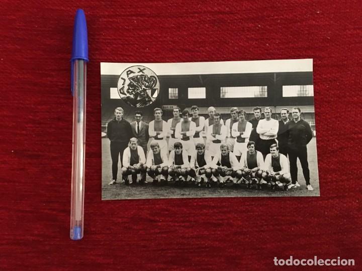 R9490 POSTAL FOTO FOTOGRAFIA PLANTILLA AJAX AMSTERDAM CON FIRMAS AUTOGRAFOS (Coleccionismo Deportivo - Postales de Deportes - Fútbol)