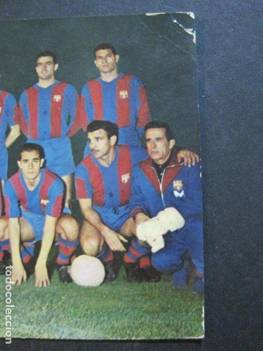 Coleccionismo deportivo: FC BARCELONA-PLANTILLA TEMPORADA 1961-KUBALA-LUIS SUAREZ-RAMALLETS...ETC-POSTAL ANTIGUA-(71.073) - Foto 6 - 206928441