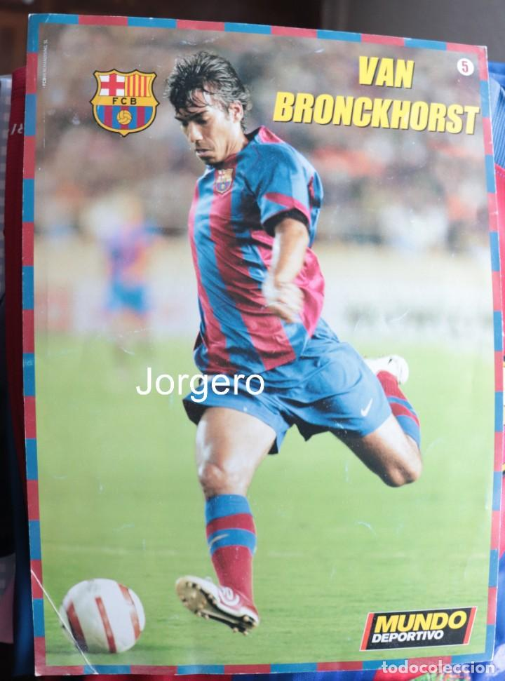 VAN BRONCKHORST F.C. BARCELONA 2004-2005. LÁMINA PÓSTER (Coleccionismo Deportivo - Postales de Deportes - Fútbol)