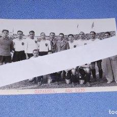 Coleccionismo deportivo: ANTIGUA FOTO POSTAL DE FUTBOL SELECCION DE CATALUÑA AÑO 1935 ORIGINAL. Lote 210089058