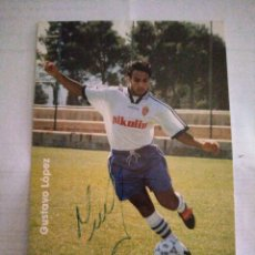 Coleccionismo deportivo: POSTAL REAL ZARAGOZA ADIDAS GUSTAVO LOPEZ. Lote 210117925