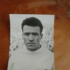Coleccionismo deportivo: LUIS EL SOL-REAL MADRID C.F.-POSTAL ORIGINAL-. Lote 212609471