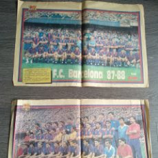Coleccionismo deportivo: 2 POSTERS PLANTILLA F.C.BARCELONA 86/87 Y 87/88. PAPEL PERIÓDICO. Lote 206426493