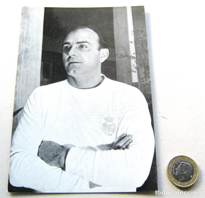 POSTAL ALFREDO DI STEFANO OFICIAL REAL MADRID AÑOS' 60 B/N DIFICIL OLD POSTCARD (Coleccionismo Deportivo - Postales de Deportes - Fútbol)